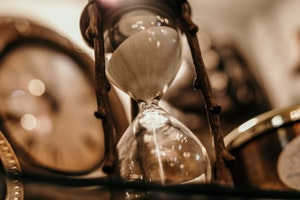 Present Time Hourglass